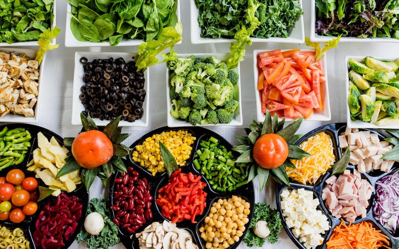 Wir klären über die neuen Ernährungsformen in unserem Ratgeber auf.